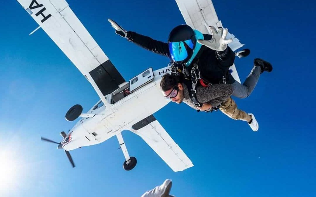 Per Natale regala un lancio in paracadute con istruttore!