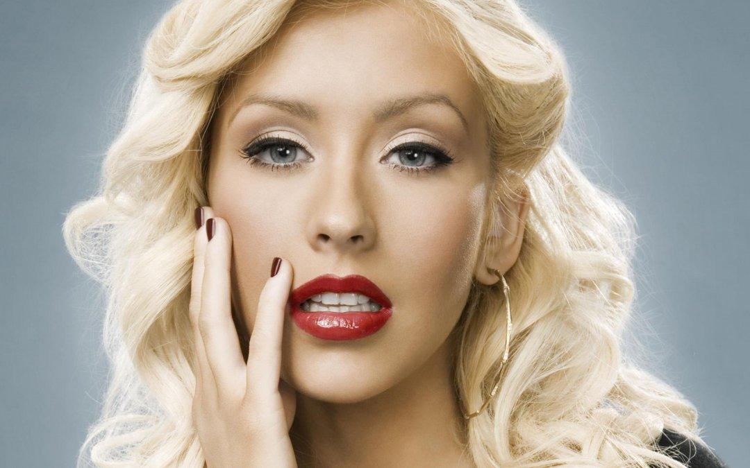 """""""Loyal Brave True"""" è la nuova canzone di Christina Aguilera per il remake di Mulan"""