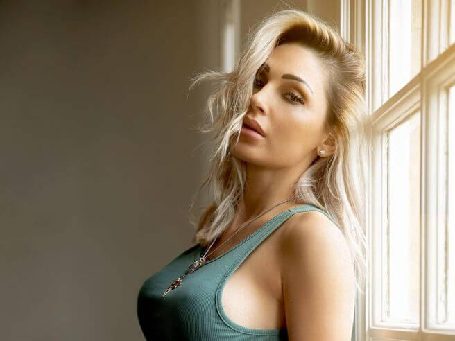 """Anna Tatangelo: il nuovo singolo è """"Tra me e te"""" feat. Gemitaiz"""